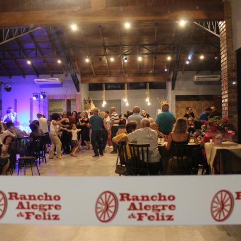 Inauguração do salão de festas das Sociedades Rancho Alegre e Rancho Feliz